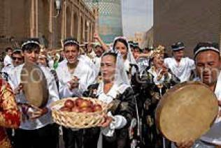 Asrlar Sadosi 2013 Festival of Traditional Culture will be held in Navoi region of Uzbekistan at Sarmishsay Gorge